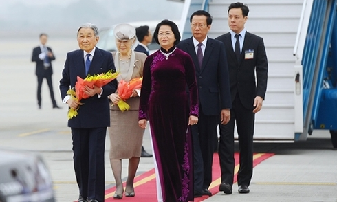 Nhà vua và Hoàng hậu Nhật Bản đến Hà Nội