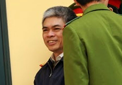 ong-ha-van-tham-rot-tien-nhu-nuoc-cho-cuu-tong-giam-doc