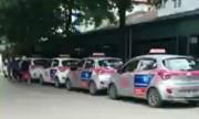 Bảo vệ chặn xe cấp cứu càng gây bức xúc taxi độc quyền viện Nhi