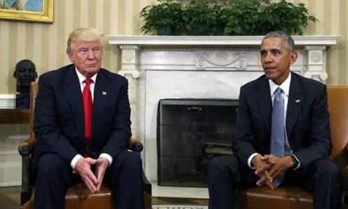 obama-bac-cao-buoc-nghe-len-dien-thoai-cua-trump