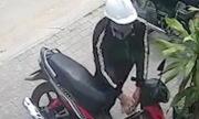 Tên trộm bẻ khóa xe máy trong 3 giây