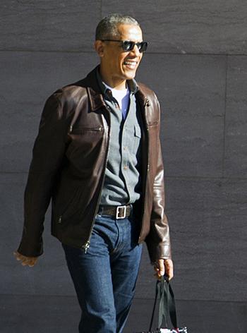 vo-chong-obama-mac-sanh-dieu-tuoi-cuoi-giua-cao-buoc-nghe-len-trump-1