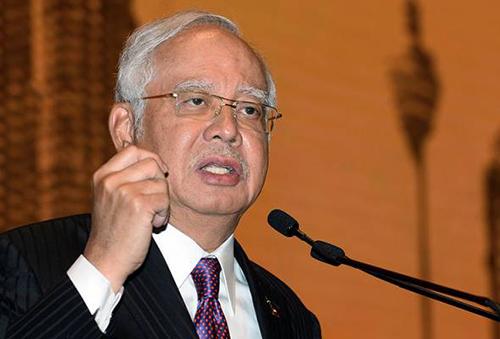 thu-tuong-malaysia-hop-khn-to-trieu-tien-giu-cong-dan-lam-con-tin