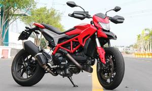 Xế phượt đa năng Ducati Hypermotard 939