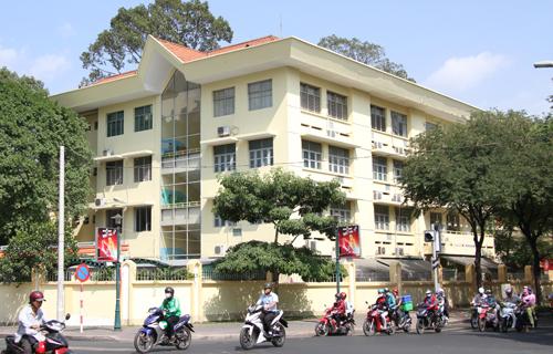 Trường tiểu học ở trung tâm Sài Gòn nhiều lần rung lắc