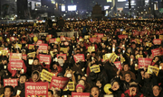 Hành trình biểu tình đòi phế truất tổng thống của thanh niên Hàn Quốc