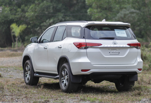 chi-tiet-toyota-fortuner-the-he-moi-tai-viet-nam-3