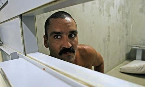 Tù nhân ở phòng biệt giam của một trại giam tại California, Mỹ. Ảnh: Exclusivepix Media