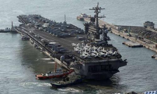 Tàu sân bay hạt nhân Mỹ USS Carl Vinson hôm nay cập cảng ở Busan, Hàn Quốc. Ảnh: Reuters