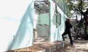 Khu phố ở Sài Gòn tự đập sập trụ sở đã tồn tại hơn 10 năm