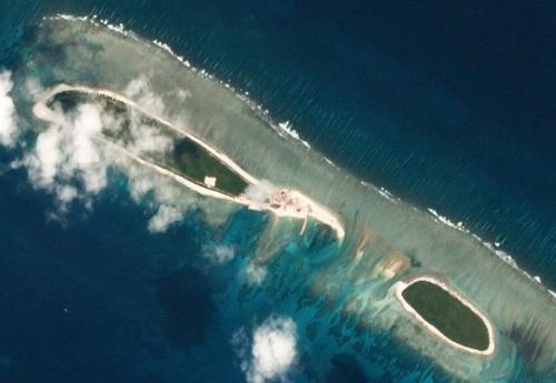 Hình ảnh đảo đá Bắc từ vệ tinh hôm 6/3. Ảnh: Reuters