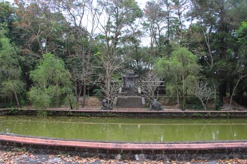Ngôi tháp cổ của thiền sư Liễu Quán ở xứ Huế