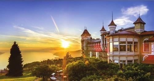 Học bổng và cơ hội nghề nghiệp ngành Quản trị khách sạn - ảnh 1