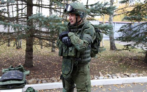 Áo giáp chịu được 5 phát đạn súng trường của quân đội Nga - ảnh 1