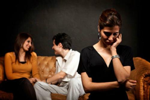 Chẳng còn niềm tin để tha thứ cho chồng sau 2 lần anh cặp bồ
