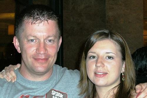 Gia đình cảnh sát Anh bị khủng bố đâm chết được quyên tiền