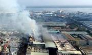 Cháy 2 dãy nhà công ty may ở Cần Thơ nhìn từ trên cao