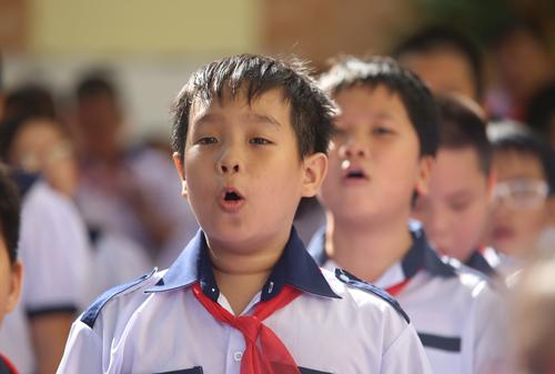 100% trẻ 6 tuổi trong diện đi học đang cư trú trên địa bàn quận, huyện sẽ vào học lớp 1 theo đúng tuyến.