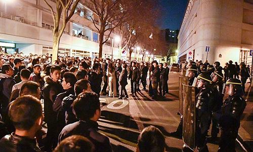 Người Trung Quốc đụng độ với cảnh sát Pháp vì đồng hương bị bắn chết