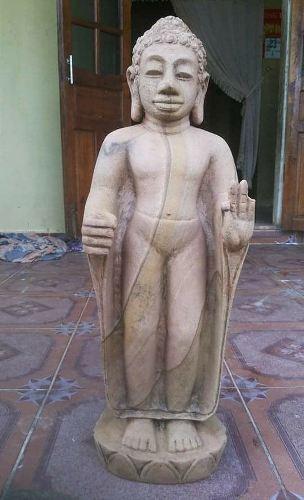 Tượng đá được phát hiện ở Huế làm từ máy công nghiệp