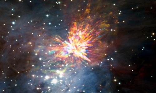 Hình ảnh rực rỡ của vụ nổ do hai tiền sao va vào nhau do Đài quan sát ALMA ghi lại. Ảnh: SWNS.