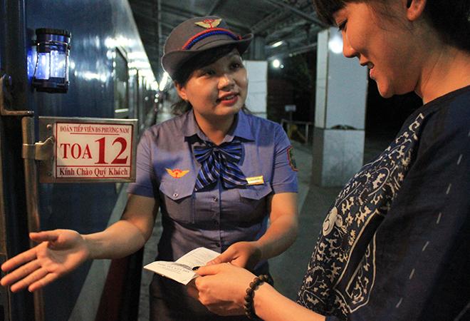 Bên trong đoàn tàu '5 sao' Sài Gòn - Nha Trang