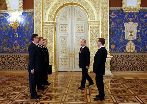 Chiếc valy hạt nhân quyền lực của tổng thống Nga - ảnh 2