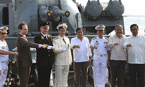 Duterte: Người Nga đứng về phía tôi - ảnh 1