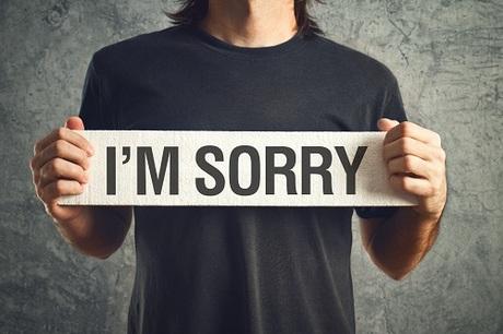 Phân biệt 'I'm sorry' và 'I apologize'