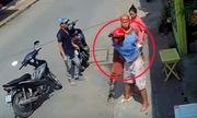 Bị bắt vì đang trộm chim thì người qua đường rút chìa xe máy