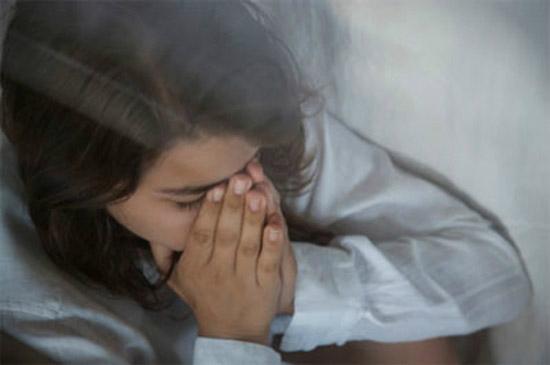 Tình thần tôi luôn bị hành hạ vì sau ly hôn chồng sống quá sướng