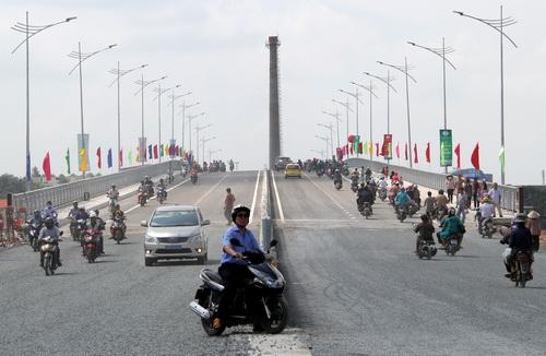 Cầu An Hảo thông xe kết nối quốc lộ 1, 51 và 1K. Ảnh: Phước Tuấn