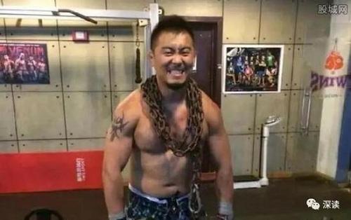 4 cao thủ võ truyền thống Trung Quốc sục sôi thách đấu võ sĩ hiện đại