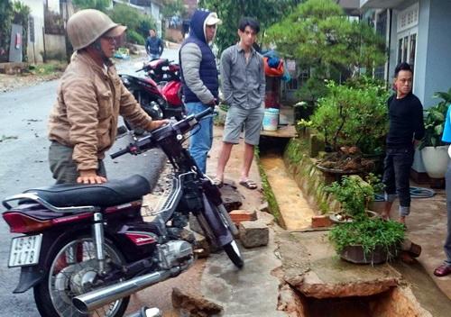 Cống nước nơi người dân cứu cụ ông. Ảnh: Khánh Hương