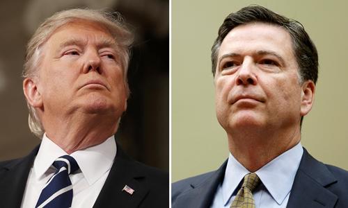 Tổng thống Mỹ Donald Trump (trái) và giám đốc Cục Điều tra Liên bang James Comey. Ảnh: Reuters.