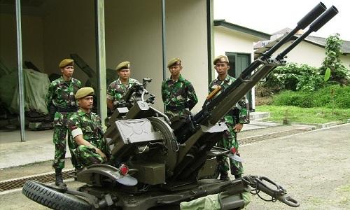 Pháo hai nòng Trung Quốc tự khai hỏa, 4 lính Indonesia thiệt mạng
