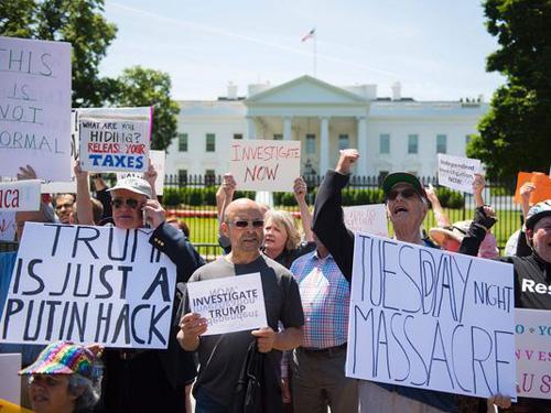 Chuyên gia Mỹ: Xáo động quanh ông Trump diễn tiến nhanh hơn Watergate - ảnh 1