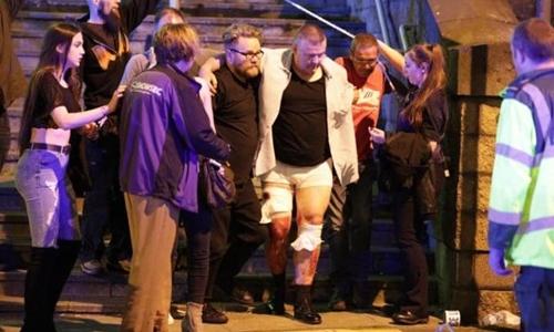 Nổ lớn tại buổi biểu diễn ca nhạc ở Anh, 19 người chết