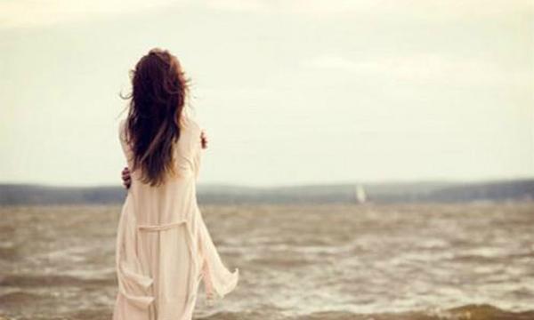 Ngoại tình tư tưởng với người kém tuổi khi chồng không lãng mạn
