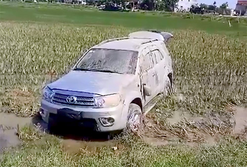 giam-doc-lao-thang-xe-fortuner-vao-csgt-tung-bi-truy-na-2