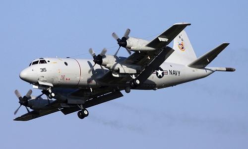 Máy bay săn ngầm Mỹ bốc khói, hạ cánh khẩn cấp