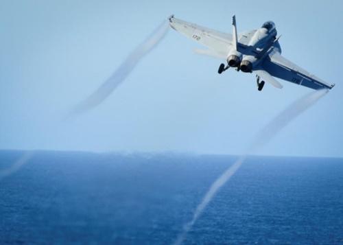 Chiến đấu cơ Mỹ bắn rơi cường kích Syria