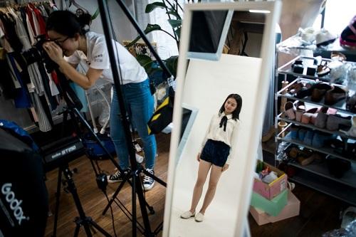 Trường dạy cách sống ảo để kiếm tiền ở Trung Quốc - ảnh 3