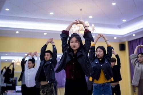 Trường dạy cách sống ảo để kiếm tiền ở Trung Quốc - ảnh 2