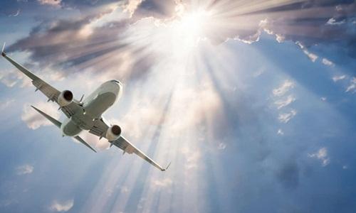 Tác động của bức xạ khi đi máy bay hầu như không làm ảnh hưởng đến sức khỏe của hành khách. Ảnh: IFL Science.