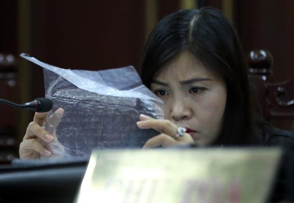 phuong-nga-ba-mai-phuong-lam-toi-tuong-minh-co-sep-cong-an-chong-lung-page-2-2