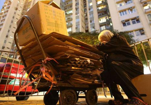 Hong Kong - nơi vực thẳm giàu nghèo sâu nhất 40 năm qua