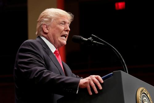 Gặp Putin, Trump có thể phải 'dòm trước ngó sau'