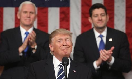 Khoảng trống quyền lực ở Washington sau nửa năm Trump lãnh đạo