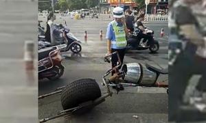 Nữ cảnh sát bối rối trước xế lạ